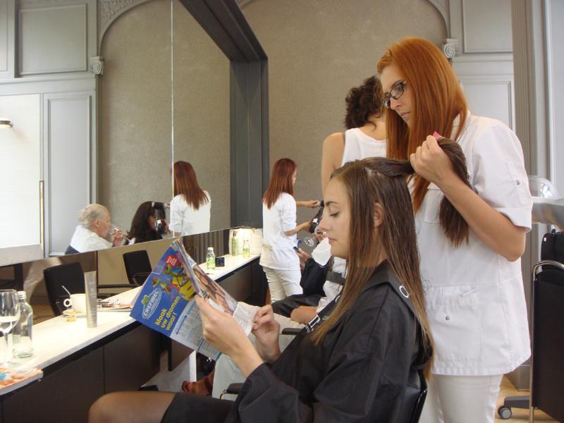 Hairdresser : ... fran?ois hollande 39 s hairdresser makes almost 10 000 a month report