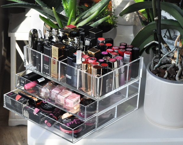 Beauty |How to Organize Your MakeUp Stash | StyleLab