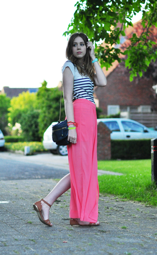 stylelab fashion blog outfit coral striped tee